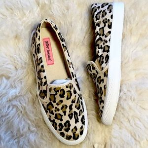NWOT Betsey Johnson Leopard Print Slip On Sneaker